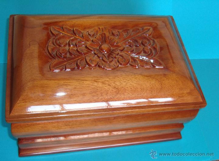 Peque a urna de madera de cedro fabricacion art comprar for Fabricacion de bares de madera