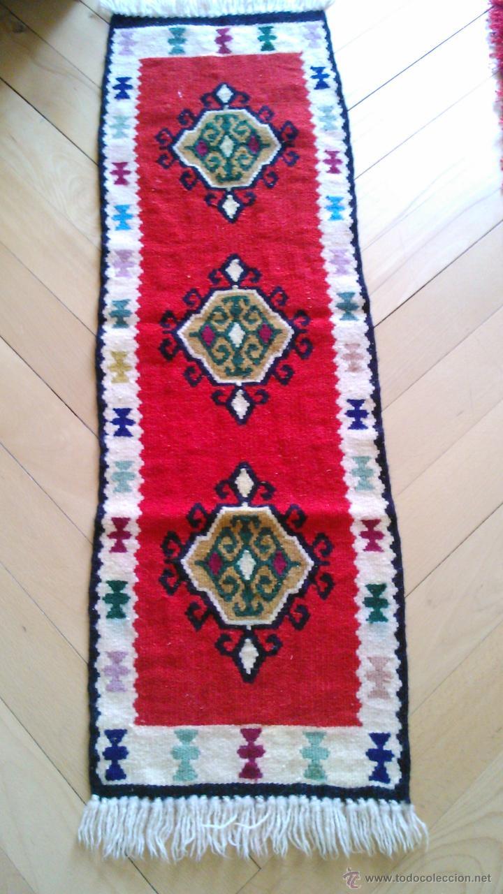 Artesanía: Precioso tapiz hecho a mano con dibujos AZTECAS.Tonos rojos azules,negros ,verdes ,granate y crema. - Foto 2 - 43744345