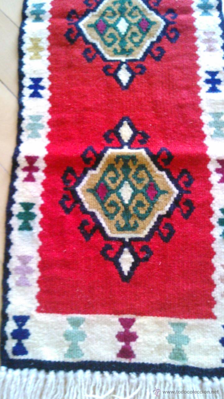 Artesanía: Precioso tapiz hecho a mano con dibujos AZTECAS.Tonos rojos azules,negros ,verdes ,granate y crema. - Foto 3 - 43744345