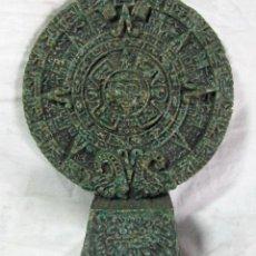 Artesanía: PIEDRA DEL SOL O CALENDARIO AZTECA AGREGADO MALAQUITA Y CRISOCOLA. Lote 52312137