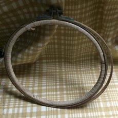 Artesanía - Antiguo bastidor para bordar - 53052802
