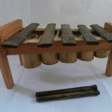 Artesanía: INSTRUMENTO MUSICAL XILOFONO MADERA HECHO A MANO EN ECUADOR - ARTESANAL. Lote 57134474