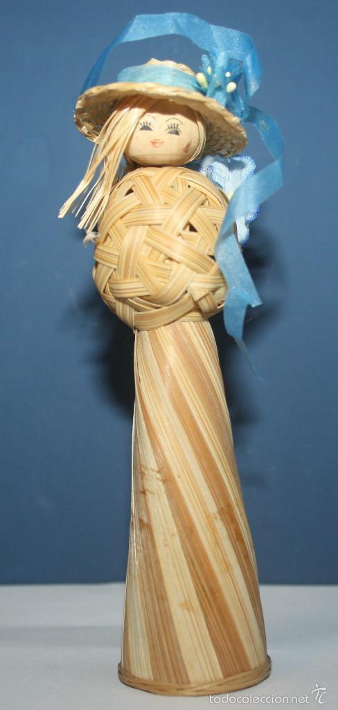 BONITA MUÑECA DE MIMBRE (Artesanía - otros articulos hechos a mano)