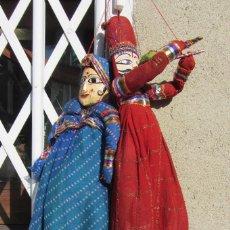 Artesanía: PAREJA DE MARIONETAS HINDUES INDIA RAJASTÁN ARTESANÍA, TÍTERE. Lote 64096207