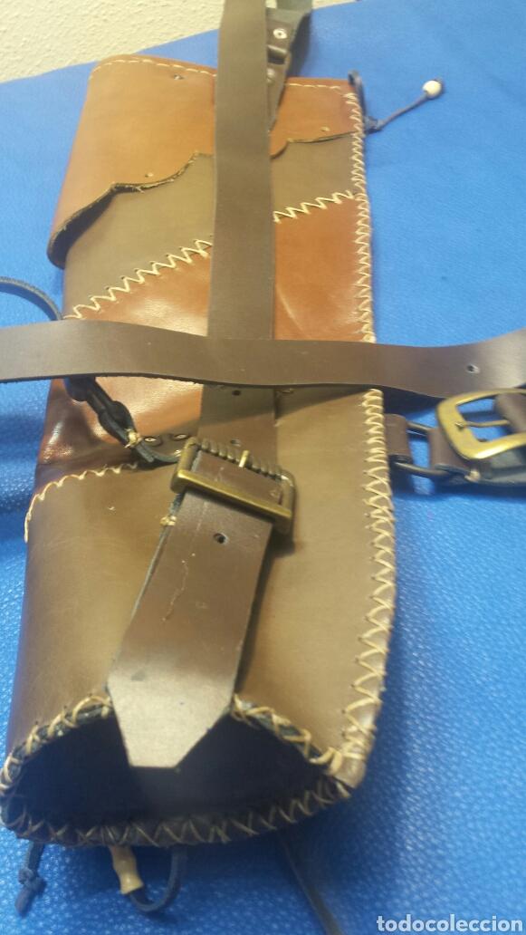 Artesanía: Carcaj de espalda para tiro con arco piel vacuno Artesano - Foto 3 - 81237880
