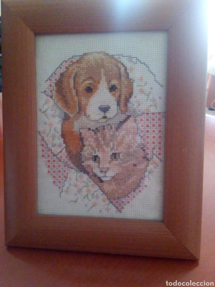 cuadro gato y perro a punto de cruz con marco - Comprar en ...
