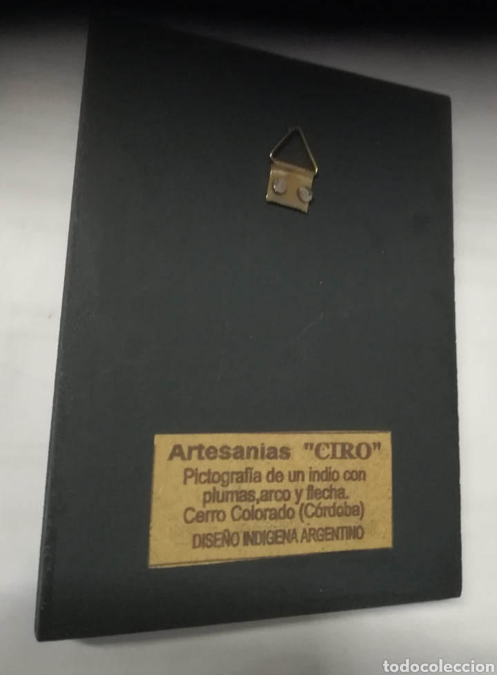 Artesanía: Artesania Ciro, pictografia de un indio con plumas,arco y flecha.Cerro Colorado,Córdoba, Argentina - Foto 2 - 140116084