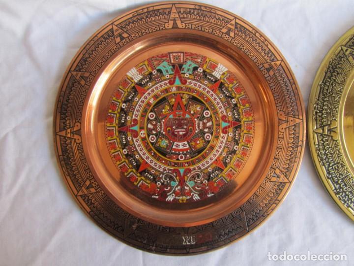Artesanía: Pareja de platos latón + cobre lacados. Hechos a mano en México. Calendario Azteca para colgar - Foto 3 - 142889954