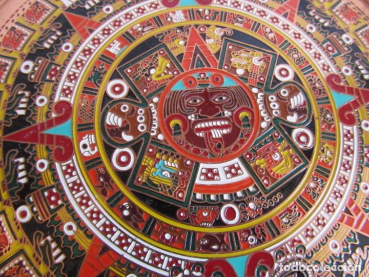 Artesanía: Pareja de platos latón + cobre lacados. Hechos a mano en México. Calendario Azteca para colgar - Foto 4 - 142889954