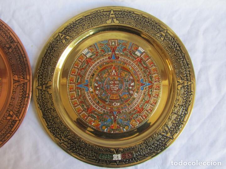 Artesanía: Pareja de platos latón + cobre lacados. Hechos a mano en México. Calendario Azteca para colgar - Foto 6 - 142889954