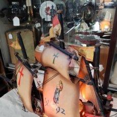 Artesanía: ARTESANAL BARCO FRAGATA SANTA MARÍA EN MADERA CON LUZ. Lote 143818910
