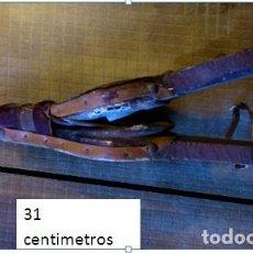 Artesanía: FUELLE TALLADO A MANO. . Lote 148660594