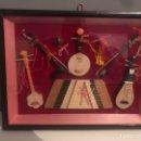 Artesanía: ANTIGUO CUADRO CON INSTRUMENTOS MUSICALES. Lote 152490545