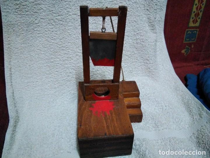 Artesanía: ANTIGUA GUILLOTINA EN MINIATURA - Foto 2 - 152829046