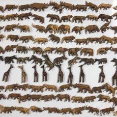 Artesanía: KENIA. TRIBU MASAI. LOTE DE 100 ANIMALES PARA COLLARES DE CUENTAS. VER FOTOS.. Lote 163359458
