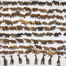 Artesanía: KENIA. TRIBU MASAI. LOTE DE 100 ANIMALES PARA COLLARES DE CUENTAS. VER FOTOS.. Lote 163359706