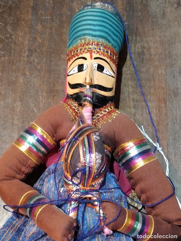 Artesanía: Marioneta estilo árabe con instrumento de viento, en tela y madera, pintado a mano - Foto 2 - 171664180
