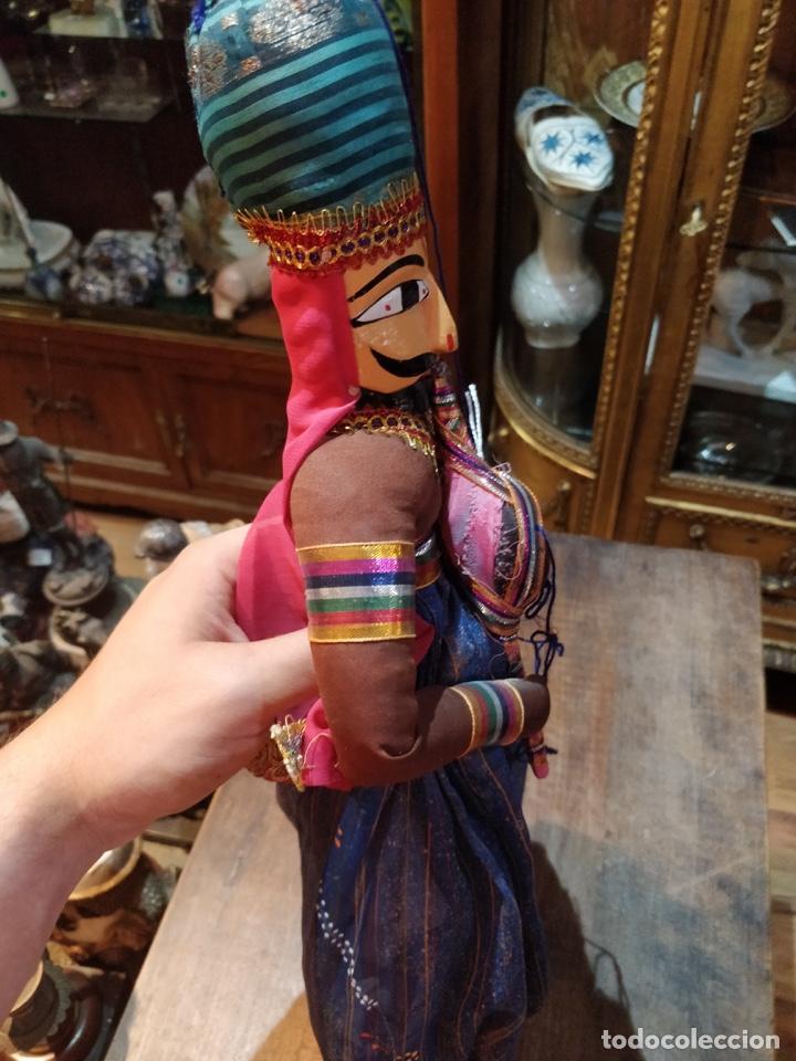 Artesanía: Marioneta estilo árabe con instrumento de viento, en tela y madera, pintado a mano - Foto 4 - 171664180