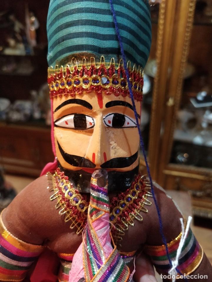 Artesanía: Marioneta estilo árabe con instrumento de viento, en tela y madera, pintado a mano - Foto 5 - 171664180