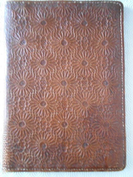 PORTA DOCUMENTOS DE CUERO HECHO A MANO. 25 X 35 CMS. 550 GRAMOS. (Artesanía - otros articulos hechos a mano)
