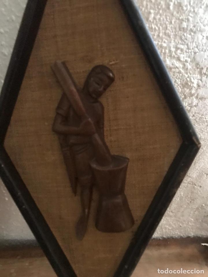Artesanía: Antiguos cuadros de madera tallada - Foto 3 - 182410063