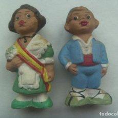 Artesanía: LOTE 2 FIGURITAS DE TERRACOTA: PAREJA DE FALLEROS DE VALENCIA, MIDEN 6 CM. PINTADOS A MANO. ALBOROX. Lote 189995625