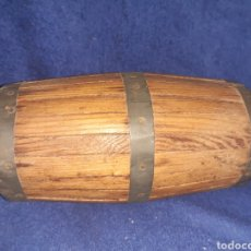 Artesanía: TONEL DE MADERA Y HOJALATA. Lote 191369363