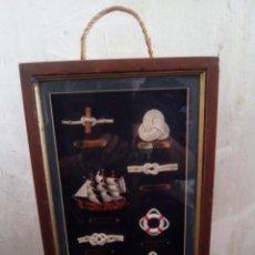 Artesanía: BOTELLERO DE NUDOS DE LA MARINA CON JUEGO DE PIEZAS SIGLO XX. Lote 191470301
