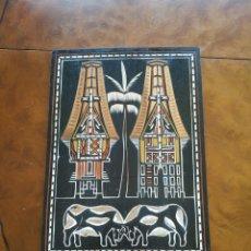 Artesanía: PLACA DE MADERA DE TORAJA. Lote 194570148