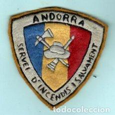 Artesanía: PARCHE DE ROPA BRODADO DE SEVICIO DE INCENDIOS Y SALVAMRENTO DE ANDORRA DE LOS AÑOS 1975. Lote 195126905