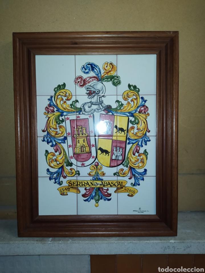 CUADRO DE AZULEJOS, CON ESCUDO HERALDICO. TALAVERA (Artesanía - otros articulos hechos a mano)