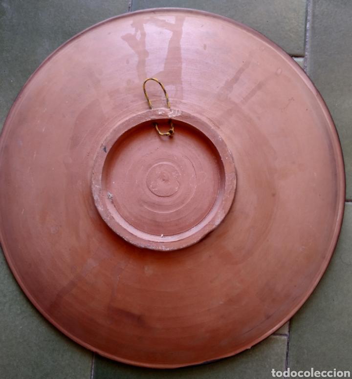 Artesanía: Plato terracota pintado a mano firmado - Foto 2 - 210388073
