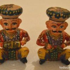 Artesanía: LOTE 4 MÚSICOS INDIA - HINDÚ / MADERA POLICROMADA. Lote 214557226
