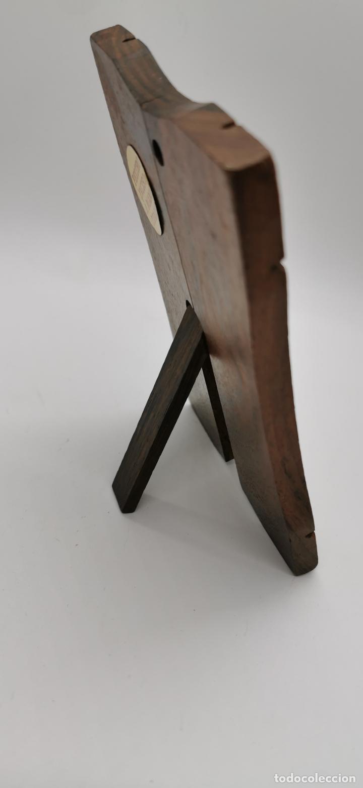 Artesanía: Virgen en marco de madera - Foto 4 - 223892163
