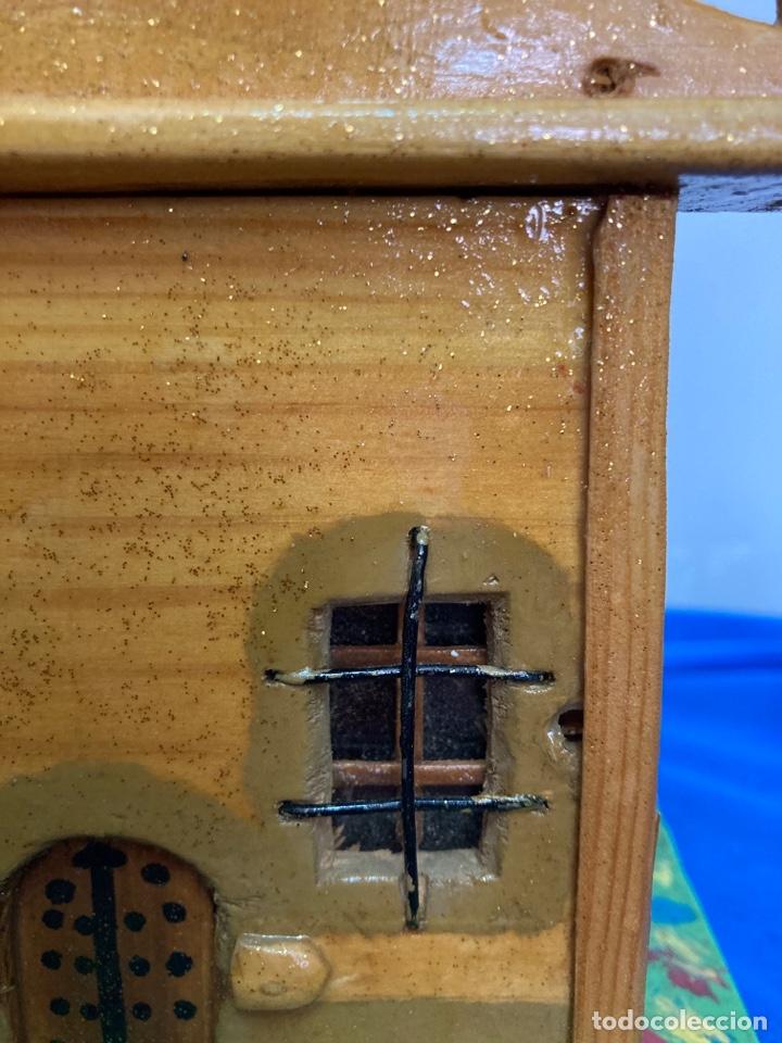 Artesanía: Iglesia de madera, hecha y pintada a mano, de los años 60, - Foto 4 - 253468830