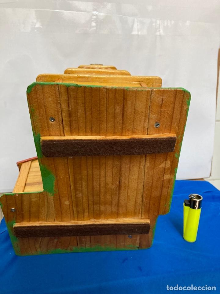 Artesanía: Iglesia de madera, hecha y pintada a mano, de los años 60, - Foto 7 - 253468830
