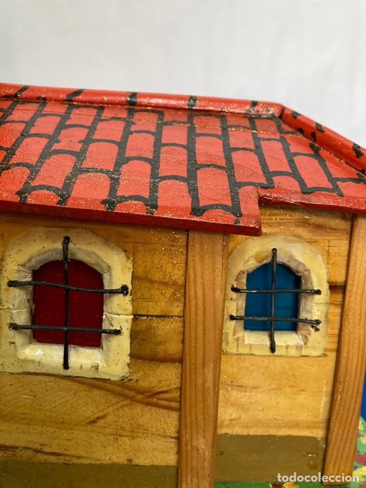 Artesanía: Iglesia de madera, hecha y pintada a mano, de los años 60, - Foto 11 - 253468830