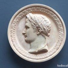 Artigianato: PLACA CERÁMICA PERFIL ROMANO CON CORONA DE LAUREL. Lote 283655078