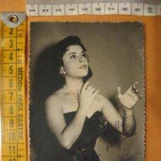 Autógrafos de Música : FOTOGRAFIA CON AUTOGRAFO DE LUISITA TENOR. Lote 26034339
