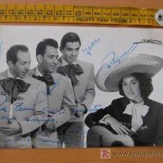 Autógrafos de Música : FOTOGRAFIA CON AUTOGRAFO DE CUARTETO CANDILEJAS. Lote 10607108
