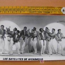 Autographes de Musique : FOTOGRAFIA CON AUTOGRAFO DE LOS SATELITES DE NICARAGUA. Lote 10608549