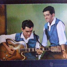 Autógrafos de Música : AUTÓGRAFO DUO DINÁMICO - POSTAL FIRMADA - MANOLO - RAMÓN - POSTAL SIN CIRCULAR -. Lote 41077205