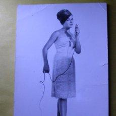 Autógrafos de Música : AUTÓGRAFO SOBRE FOTOGRAFÍA ORIGINAL - ROSITA DE MADRID -. Lote 42857502