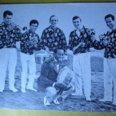 Autógrafos de Música : OS BRAILEIROS - AUTÓGRAFO SOBRE POSTAL DISCOGRAFÍA - FIRMADO EN SAINT MORITZ - 1965 -. Lote 42857571