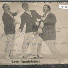 Autógrafos de Música : TRIO GUADALAJARA - FOTO POSTAL CON AUTOGRAFO ORIGINAL - (A-103). Lote 43426299