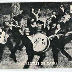 Autographes de Musique : POSTAL GRUPO MUSICAL LOS BEATLES DE CADIZ. EN EL REVERSO DISCOGRAFIA Y AUTOGRAFOS. Lote 54641541