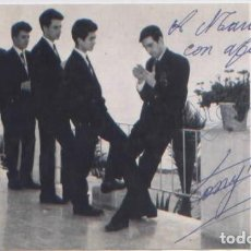 Autógrafos de Música : FOTO PUBLICIDAD GRUPO MUSICAL LOS 5 DEL ESTE DEDICADA CON AUTOGRAFO DISCOS REGAL. Lote 94581471