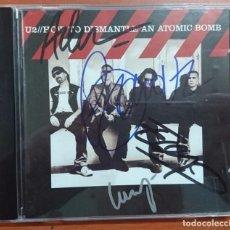 Autógrafos de Música : COMPACT DISC-CD FIRMADO A MANO POR EL GRUPO U2 AL COMPLETO, HOW TO DISMANTLE AN ATOMIC BOMB AÑO 2004. Lote 106091467
