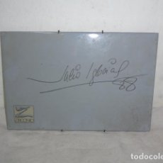 Autógrafos de Música: AZULEJO CON AUTOGRAFO DE JULIO IGLESIAS DE 1988.. Lote 107046939