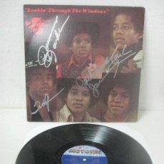 Autógrafos de Música : DISCO FIRMADO A MANO POR LOS JACKSON FIVE -LOOKIN-THROUGH THE WINDOWS AÑO 1972 POR MOTOWN RECORDS. Lote 107572063